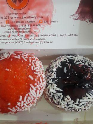Foto 1 - Makanan di J.CO Donuts & Coffee oleh Michael Wenadi