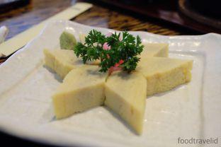 Foto 3 - Makanan(Tamago sashimi) di Miyama - Hotel Borobudur oleh IG : FOODTRAVELID
