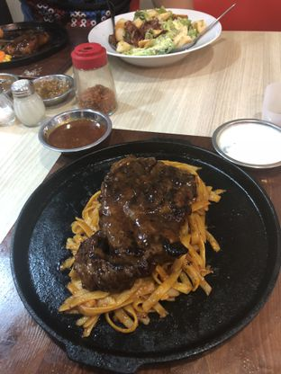 Foto 2 - Makanan di Frankfurter Hotdog and Steak oleh Oktari Angelina @oktariangelina
