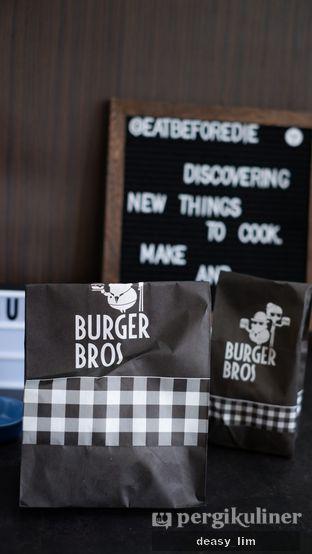 Foto 4 - Interior di Burger Bros oleh Deasy Lim