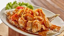 Gurame Asam Manis, menu rekomendasi di Istana Nelayan - Istana Nelayan Hotel