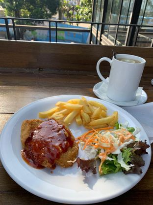 Foto review Loko Coffee Shop oleh Rurie  1