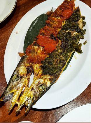 Foto 10 - Makanan(Ikan Alu-Alu Bakar) di Live Seafood Cabe Ijo oleh Alvin Johanes