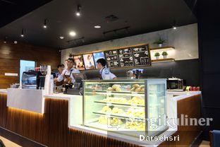 Foto 12 - Interior di Blue Lane Coffee oleh Darsehsri Handayani