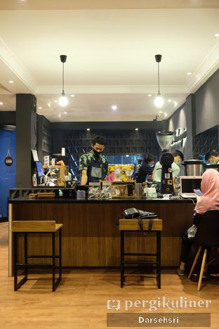 Foto 4 - Interior di Magia Coffee oleh Darsehsri Handayani