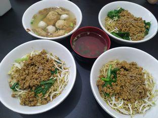 Foto 5 - Makanan di Bakmi Aliang Gg. 14 oleh Chris Tan