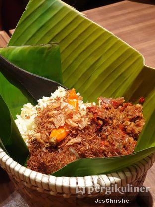 Foto 4 - Makanan(Nasi Bakul Alit Tongkol Asap Garo Rica Malalayang) di Remboelan oleh JC Wen