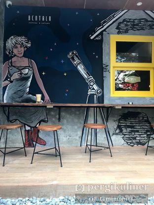 Foto 3 - Interior di Bentala Coffee & Eatery oleh Ria Tumimomor IG: @riamrt