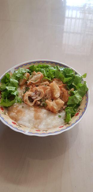 Foto 2 - Makanan di Bubur Ayam Family oleh Meri @kamuskenyang