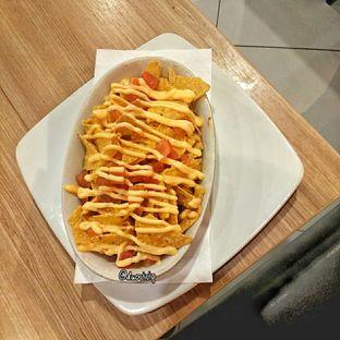 Foto 8 - Makanan(Nachos Cheese) di Pizza Hut oleh felita [@duocicip]