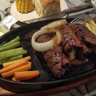 Foto review Steak Hut oleh Eunike Dina 5
