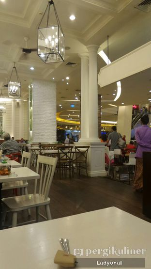 Foto 7 - Interior di Kafe Betawi First oleh Ladyonaf @placetogoandeat