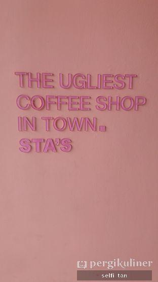 Foto 2 - Interior di Sta's Coffee & Bakery oleh Selfi Tan