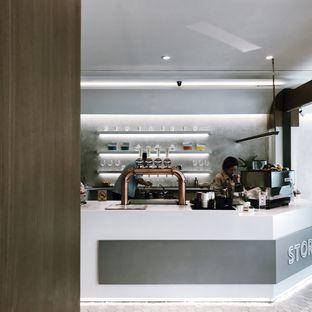 Foto 8 - Interior di Stork Food and Coffee oleh Della Ayu