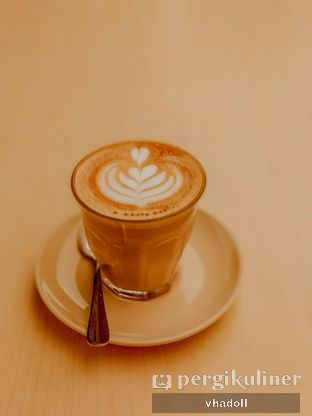 Foto 1 - Makanan(Hot Cappucino) di Turning Point Coffee oleh Syifa