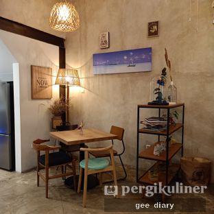 Foto 8 - Interior di Kona Koffie & Eatery oleh Genina @geeatdiary