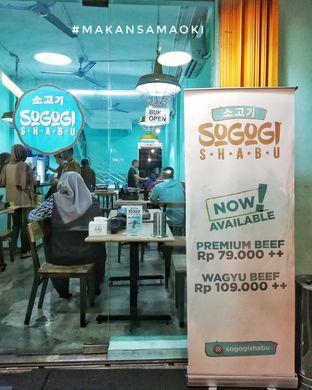 Foto 5 - Interior di Sogogi Shabu & Grill oleh @makansamaoki