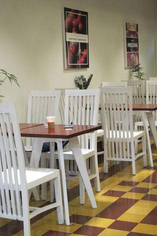 Foto 6 - Interior di Gedogan Coffee House oleh Kuliner Addict Bandung