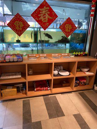 Foto 19 - Interior di Rezeki Seafood oleh Levina JV (IG : @levina_eat & @levinajv)