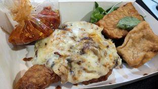 Foto - Makanan di Ayam Geprek Ahok oleh Komentator Isenk