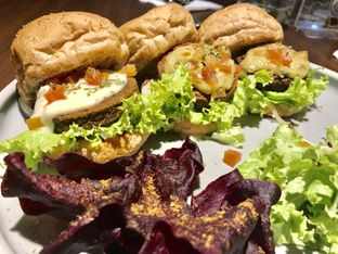 Foto 4 - Makanan di Burgreens Eatery oleh FebTasty  (Feb & Mora)