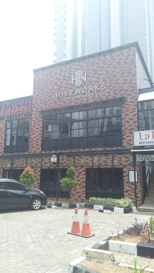 Foto 1 - Eksterior di Hiveworks Co-Work & Cafe oleh Review Dika & Opik (@go2dika)