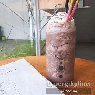 Foto 1 - Makanan(Rasberry Choco) di Threelogy Coffee oleh Prita Hayuning Dias