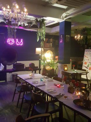Foto 6 - Interior di Bleu Alley Brasserie oleh Stallone Tjia (@Stallonation)