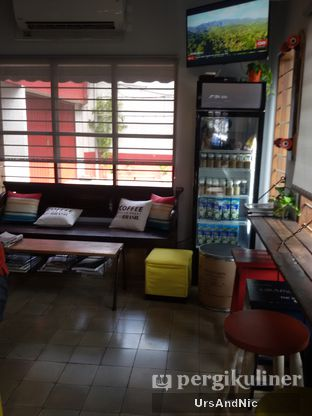 Foto 7 - Interior di Ombe Kofie oleh UrsAndNic