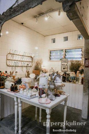 Foto 6 - Interior di Sama Dengan oleh Food Foodie Bdg