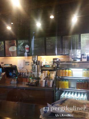 Foto 7 - Interior di Starbucks Coffee oleh UrsAndNic