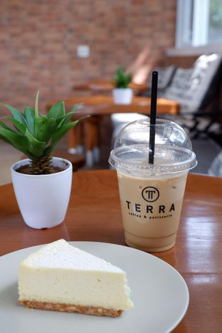 Foto 16 - Makanan di Terra Coffee and Patisserie oleh yudistira ishak abrar