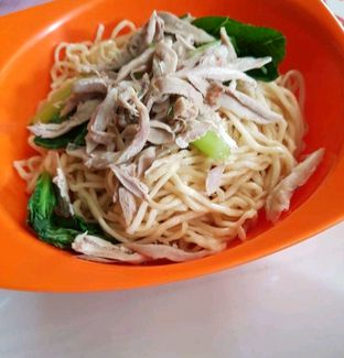 Foto 1 - Makanan di Mie Ayam Uban oleh heiyika