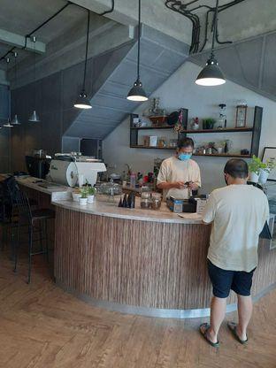 Foto 4 - Interior di Emmetropia Coffee oleh Geraldi Edward