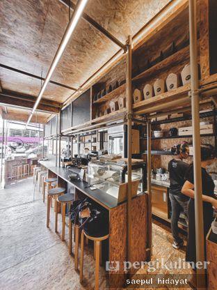Foto 3 - Interior di Kedai BuruBuru Bakmi dan Kopi oleh Saepul Hidayat