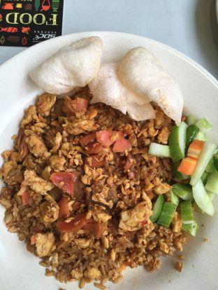 Foto 2 - Makanan(nasi goreng gila) di Nasi Goreng Gila Buana Mas Maulud oleh Yuni
