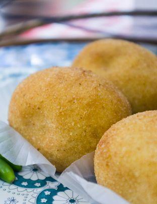 Foto 2 - Makanan(Kroketten Sapi ) di Bistik Delaris oleh Atika Sumarsono