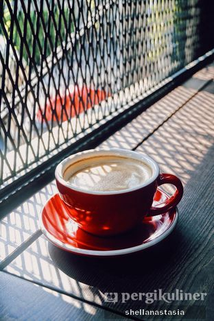 Foto 10 - Makanan(Hot Latte) di Sewaktu oleh Shella Anastasia