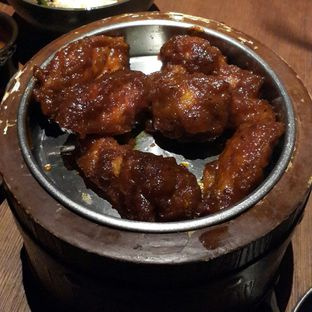 Foto 2 - Makanan(Chicken Wing Korean Spicy) di Holywings oleh Chrisilya Thoeng