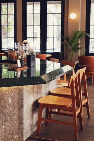 Foto 12 - Interior di Starbucks Reserve oleh Indra Mulia