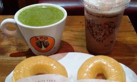 J.CO Donuts & Coffee