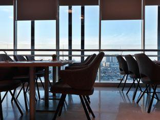 Foto review Asoka Rooftop Restaurant - Aston Kartika Grogol Hotel & Conference Center oleh Dani Allamsyah 5