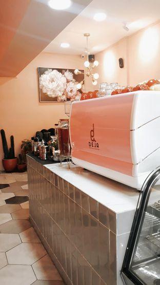 Foto 10 - Interior di Deja Coffee & Pastry oleh Mouthgasm.jkt