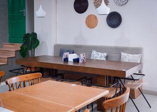 Foto 8 - Interior di ou tu Cafe oleh Indra Mulia