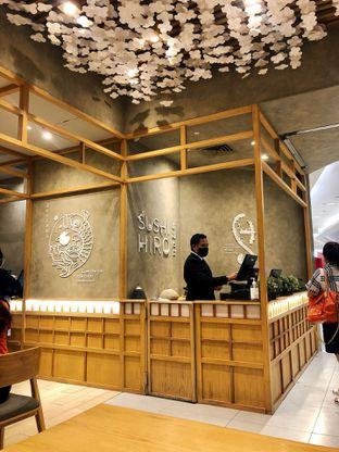 Foto 6 - Interior di Sushi Hiro oleh kdsct