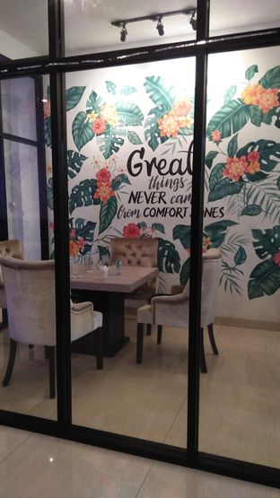Foto 2 - Interior di Meet n Work Coffee & Eatery oleh Review Dika & Opik (@go2dika)