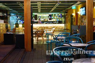 Foto 2 - Interior di Karumba Rooftop Rum Bar oleh @teddyzelig