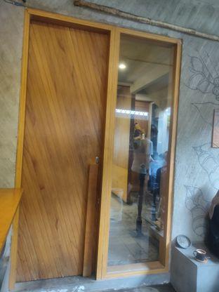 Foto 3 - Interior di Lemari Kopi oleh Makan Terus