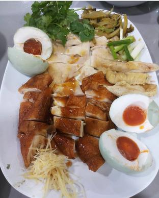 Foto 1 - Makanan di Bubur Ayam Mangga Besar 1 oleh Mitha Komala