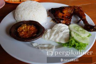Foto 2 - Makanan di Resto Ayam Pakuan oleh Darsehsri Handayani